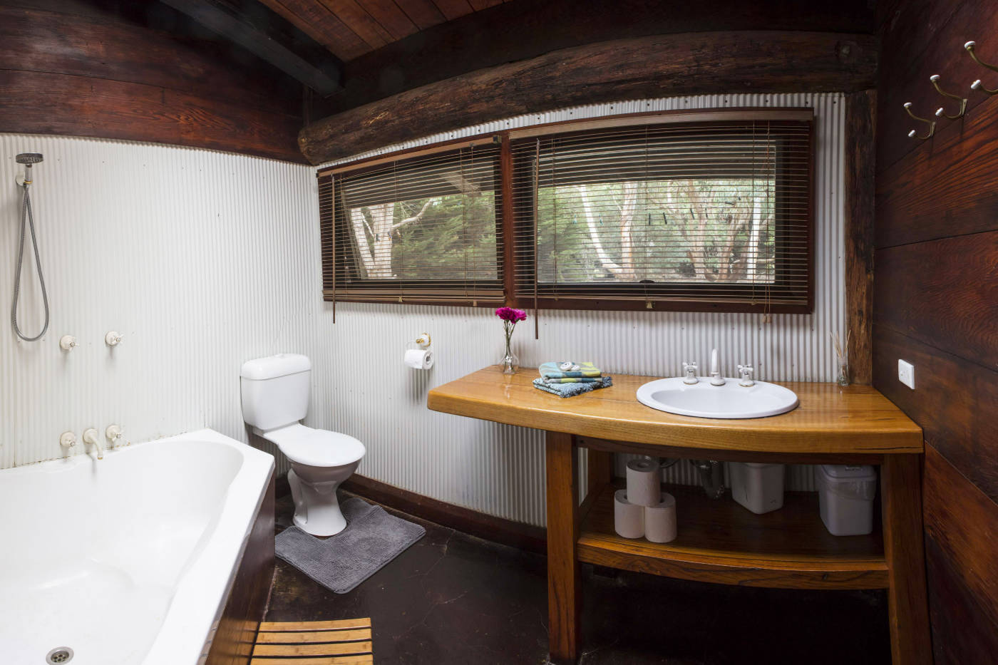 Wirrega bathroom facilities are a blend of modern and rustic