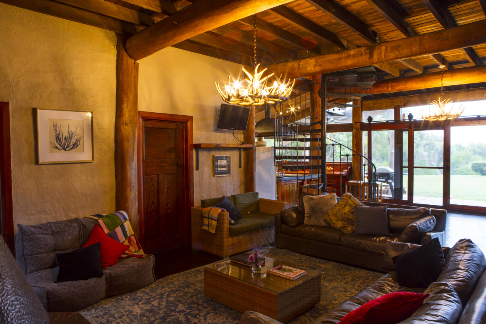 Wirrega accommodation lounge area