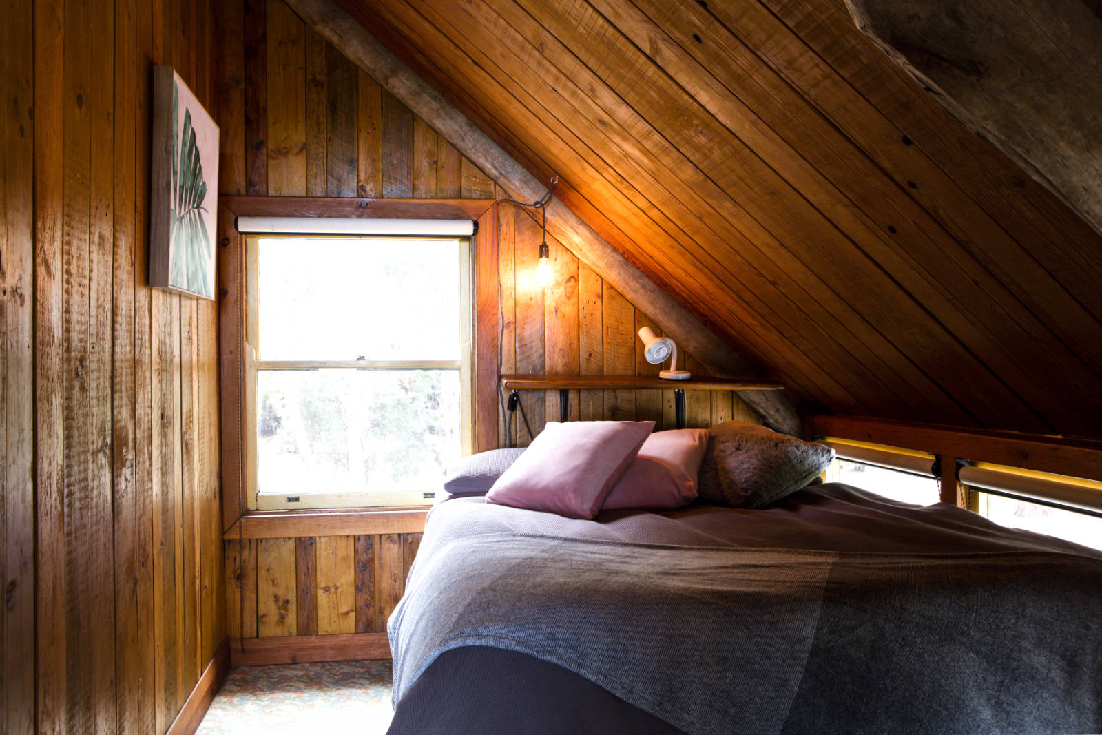 Wirrega accommodation upstairs bedroom