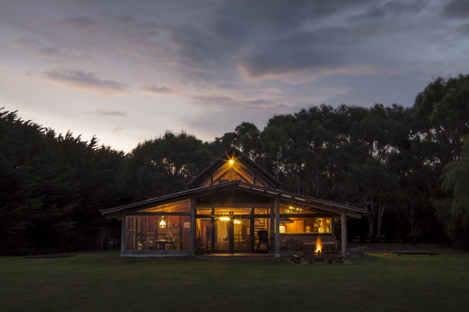 Wirrega Bear Gully Barn accomodation at sunset